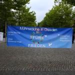 Mahnwache_fuer_Frieden_in_Dresden_1_September_03