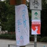 Mahnwache_fuer_Frieden_in_Dresden_1_September_04