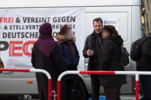 Heinz Meyer, hier bei einer Pegidakundgebung auf dem Marienplatz am 10. Februar 2016